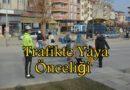 Boyabat'ta Trafik Polislerinden Öncelik Yayanın Uygulaması